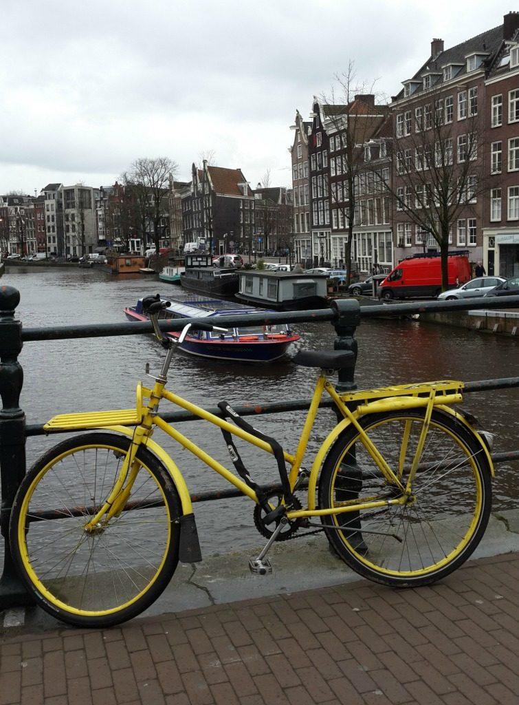 Amsterdam'ın meşhur bisikletleri