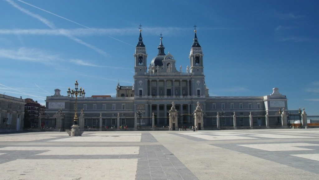 Almudena Katedrali